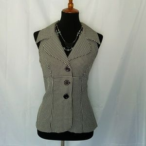 VINTAGE GINGHAM OPEN BACK BUTTON FRONT TOP M